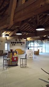 <h5>Un bel espace...</h5><p>dédié à le vente et aux dégustations</p>